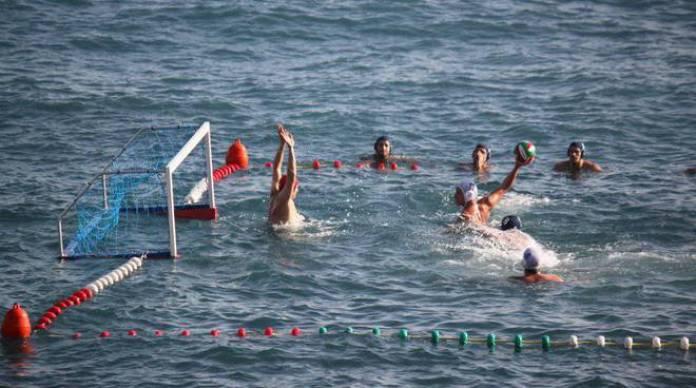 cliomakeup-fitness-in-acqua-pallanuoto1.jpg