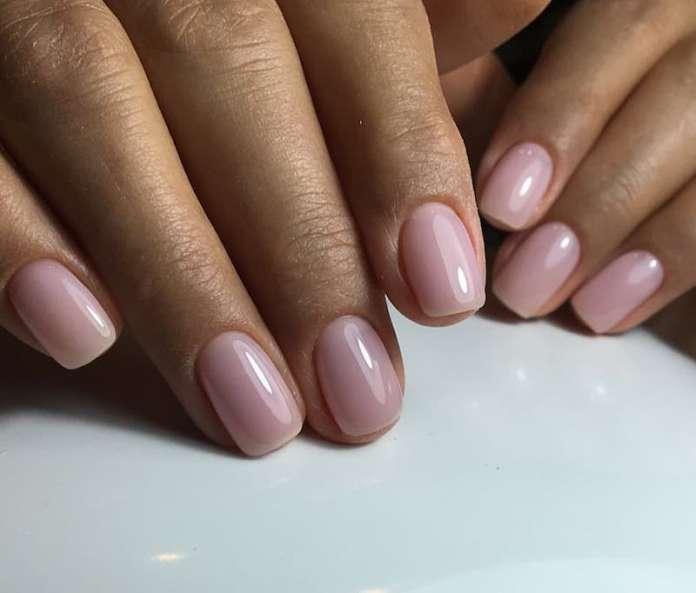 cliomakeup-rimedi-unghie-fragili-prodotti-trattamenti-3-smalto-naturale