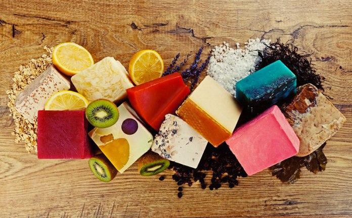 cliomakeup-ritorno-saponetta-9-ingredienti-naturali