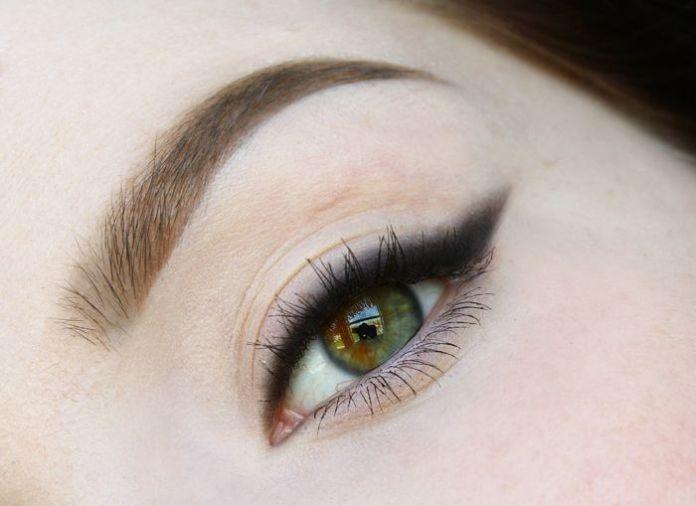 Cliomakeup-eyeliner-primavera-estate-2019-15-eyeliner-sfumato