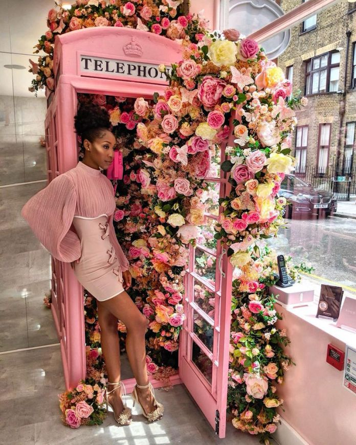 ClioMakeUp-vestitit-corti-19-mini-dress-rosa.jpg