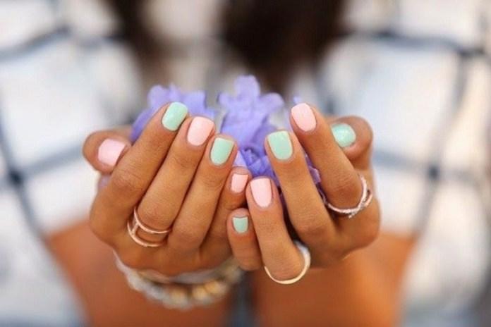 cliomakeup-togliere-smalto-semipermanente-15-colori-pastello