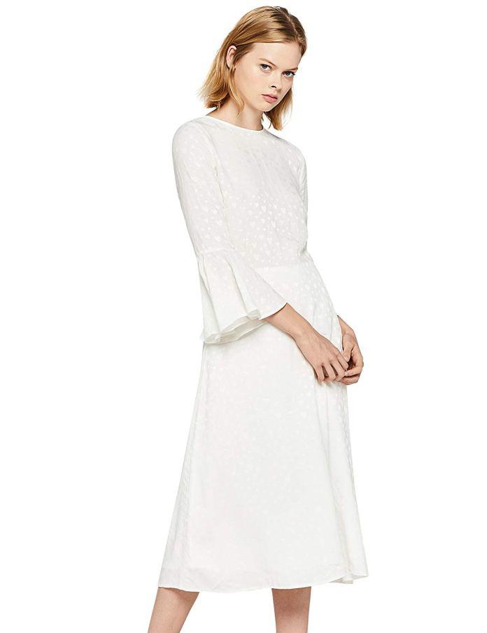 Cliomakeup-colori-che-risaltano-abbronzatura-17-vestito-bianco-manica