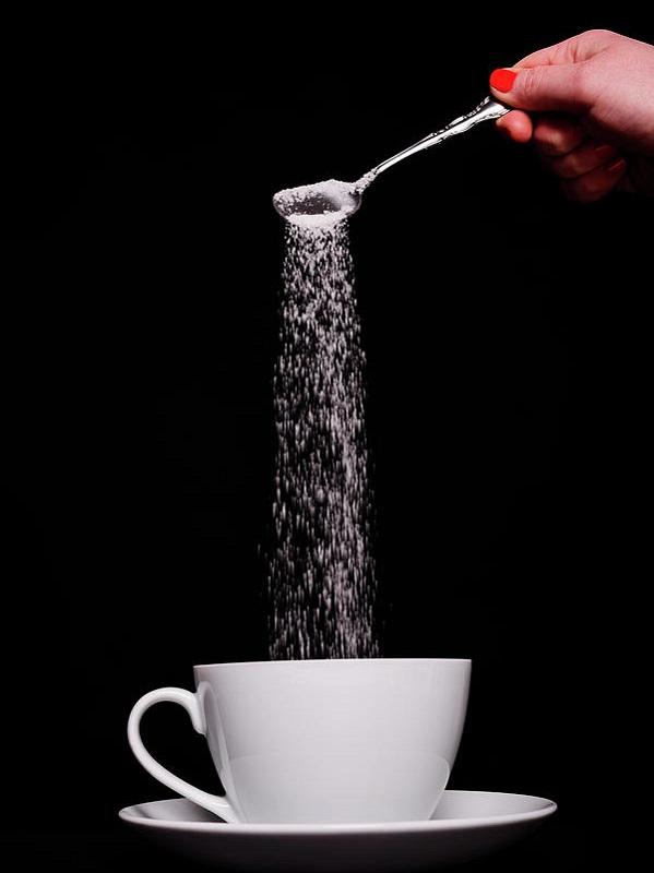 cliomakeup-come-perdere-kg-19-pouring-sugar