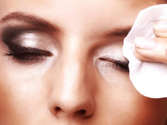 cliomakeup-come-rimuovere-makeup-3-bifasico