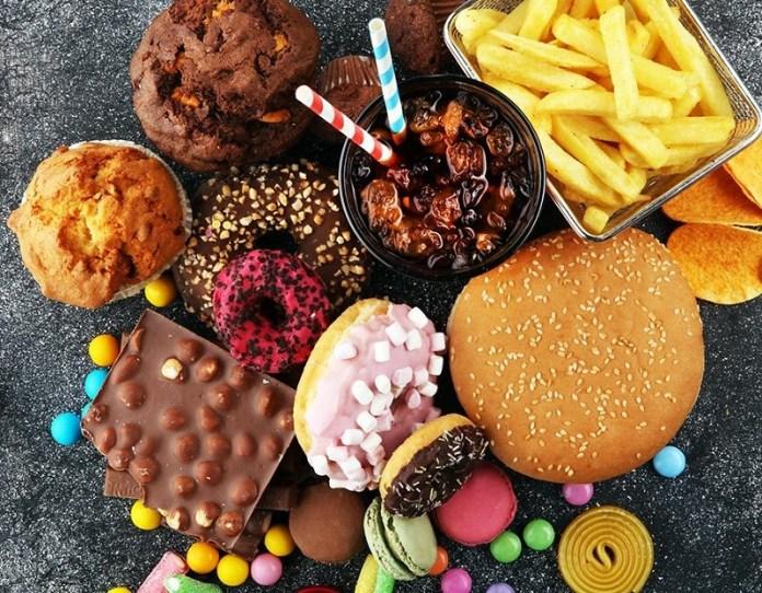 cliomakeup-dieta-acne-14-junk-food