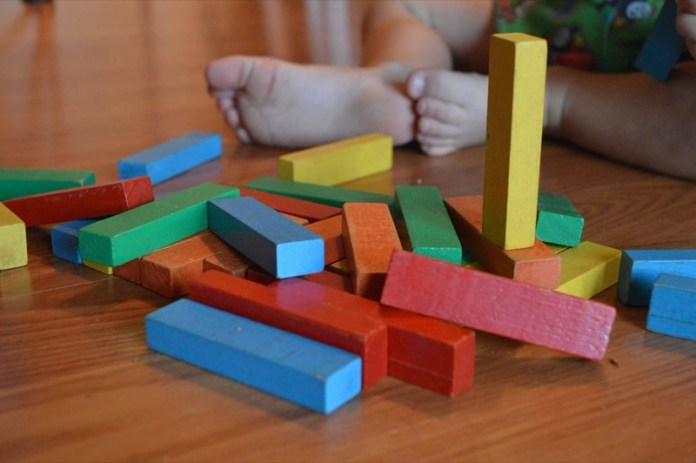 cliomakeup-metodo-montessori-a-casa-2-costruzioni-in-legno