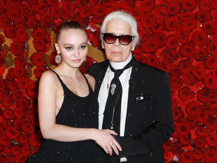 cliomakeup-lily-rose-depp-18-karl-lagerfeld