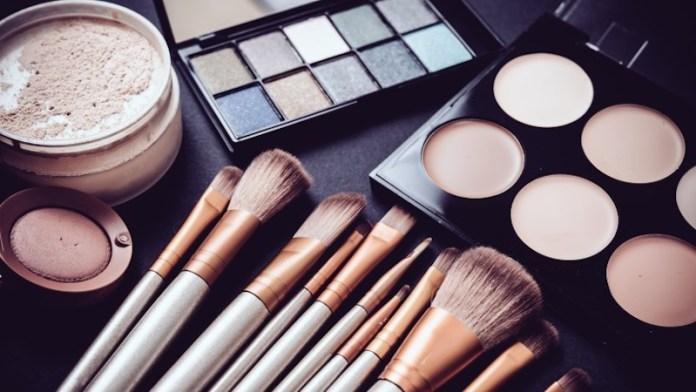 cliomakeup-prodotti-beauty-non-condividere-11-germi