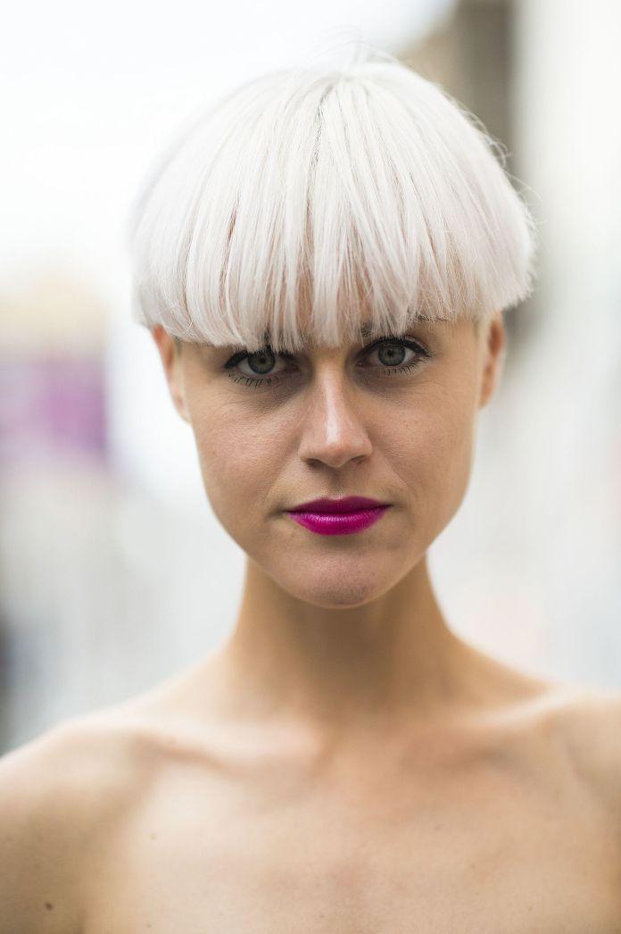 Cliomakeup-rossetti-capelli-bianchi-7-rossetto-magenta