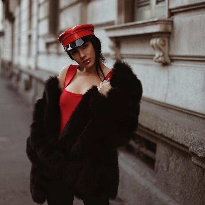Cliomakeup-cappelli-donna-9-giulia-de-lellis-berretto-marinara