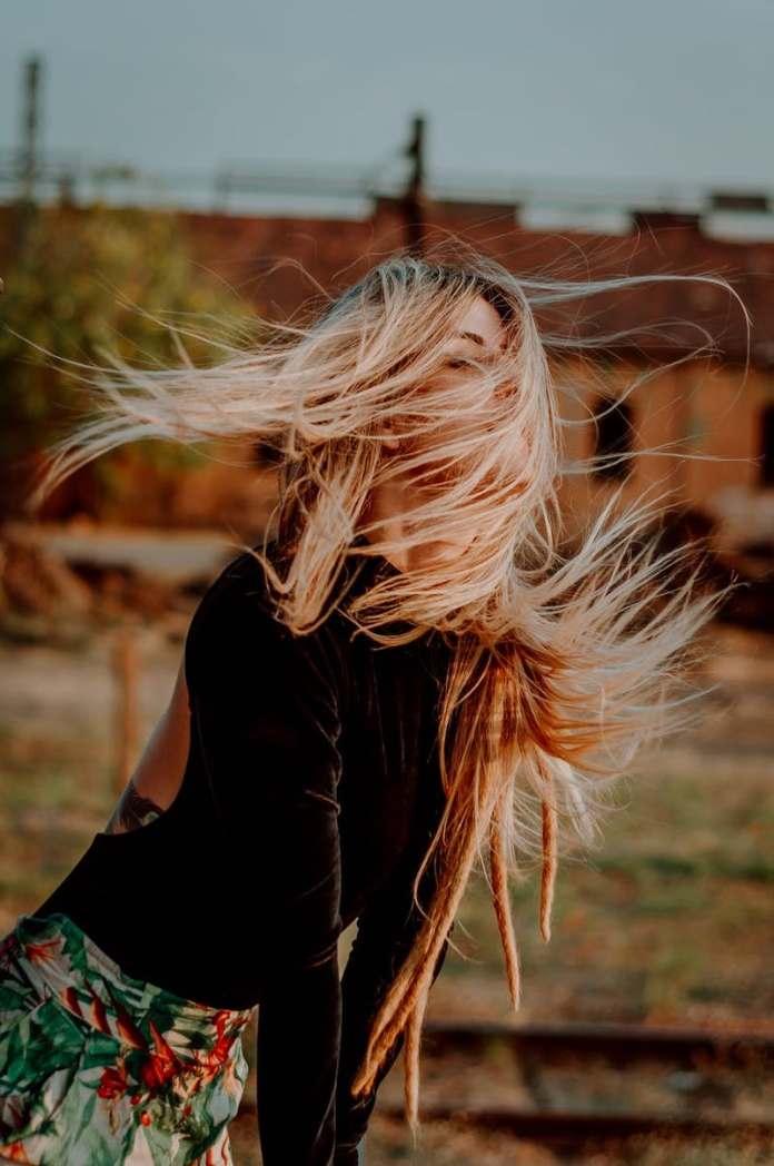 cliomakeup-cura-capelli-lunghi-autunno-11-asciugare