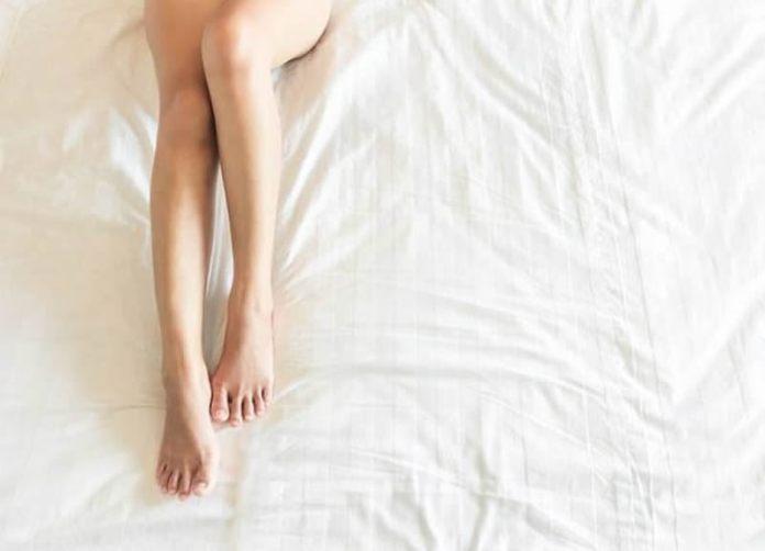 cliomakeup-masturbarsi-fa-bene-19-gambe
