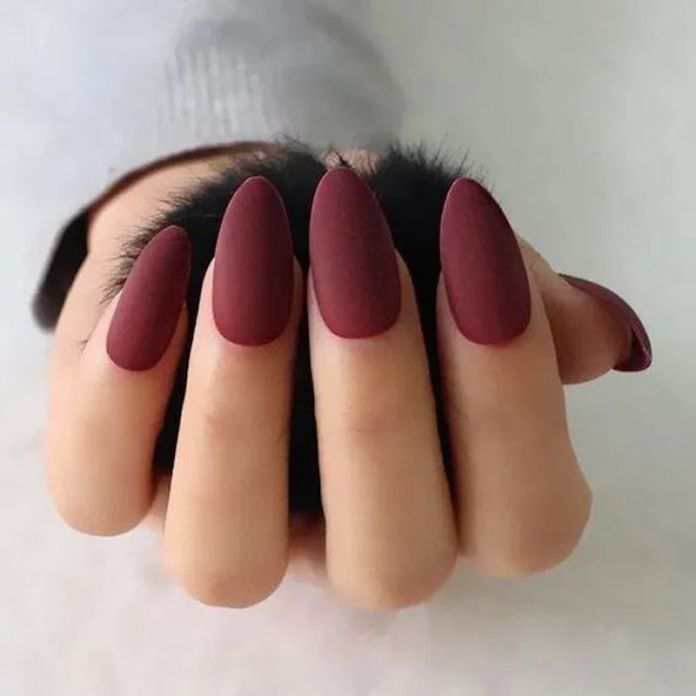 cliomakeup-unghie-roasted-burgundy-10-matt