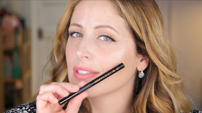 Cliomakeup-rossetto-liquido-clio-confidential-liquidlove-8-eyeliner-deeplove