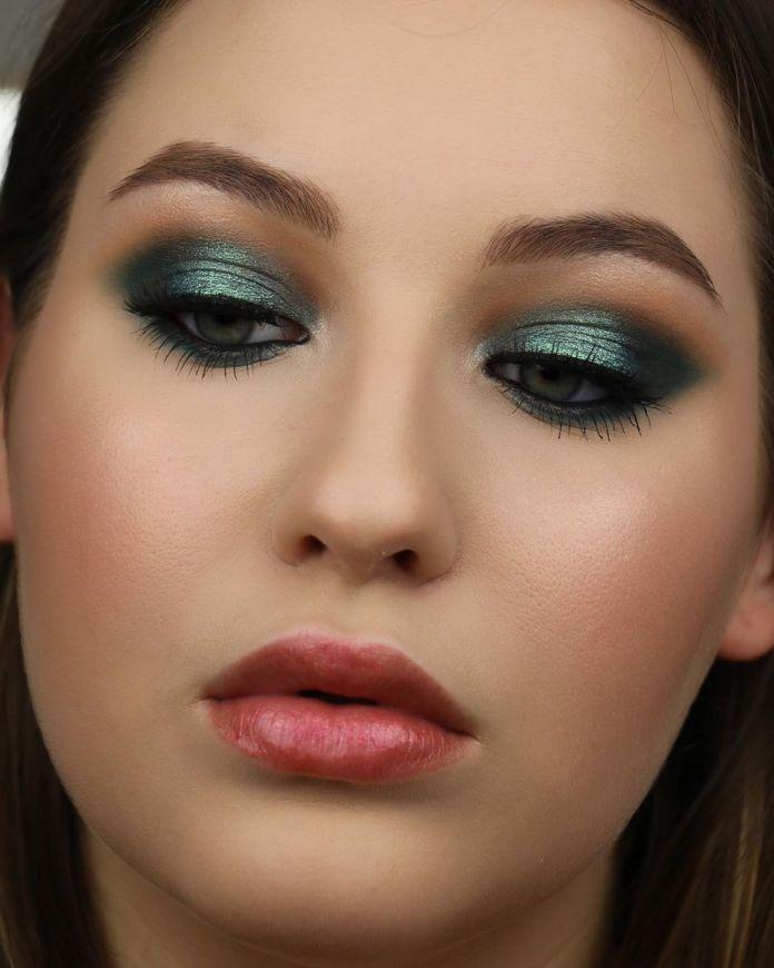 Cliomakeup-trucco-occhi-azzurri-capodanno-13-trucco-verde