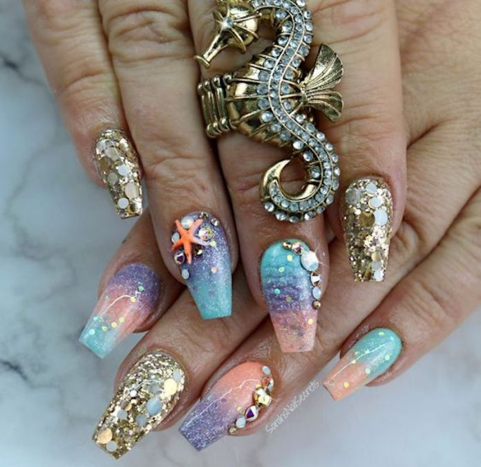cliomakeup-beauty-trend-2019-10-mermaid-nails