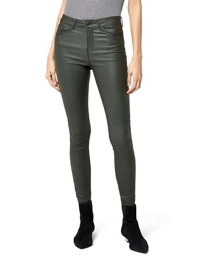 Cliomakeup-pantaloni-colorati-per-inverno-25-pantaloni-pelle