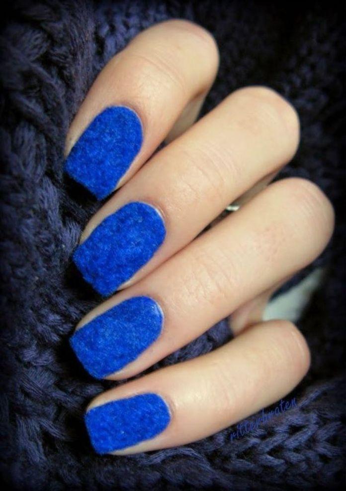 cliomakeup-nail-art-semplici-9-velluto-blu