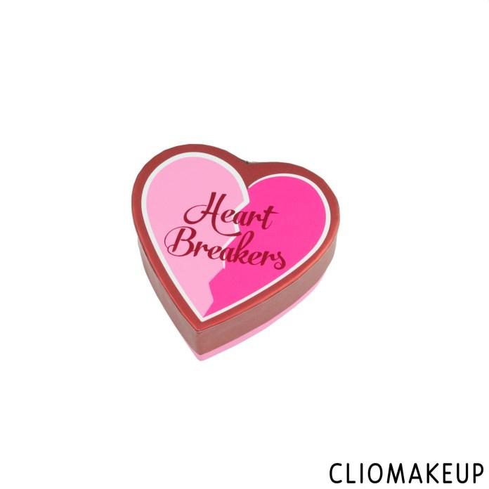 cliomakeup-recensione-blush-i-love-revolution-heart-breakers-matte-blush-4