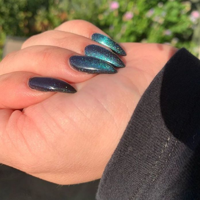cliomakeup-tendenza-unghie-cats-eye-nails-teamclio-5