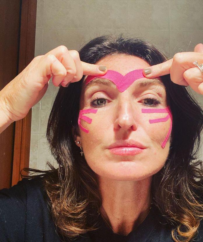 Cliomakeup-face-taping-team-clio-marialuisa-tape-frontale-zigomi