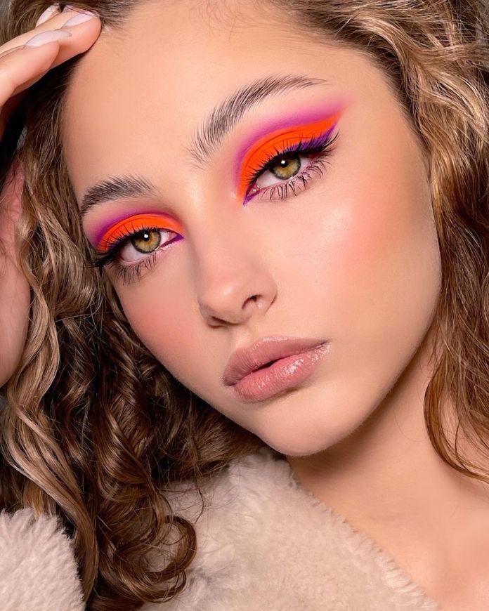 Cliomakeup-trucco-occhi-colorati-estate-2021-d-aleksandria-cut-crease-viola-rosso