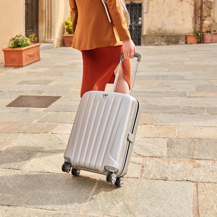 Cliomakeup-valigie-zaini-beauty-case-estate-2021-roncato-trolley-cabina-argento