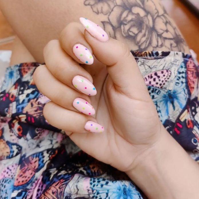 cliomakeup-confetti-nails-estate-2021-teamclio-11