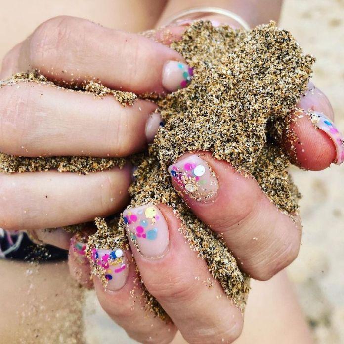 cliomakeup-confetti-nails-estate-2021-teamclio-3