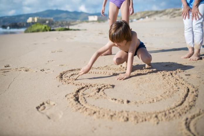 cliomakeup-cosa-fare-al-mare-con-bambini-pexels-sabbia