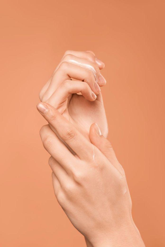 cliomakeup-olio-di-cocco-alimentare-2-skincare
