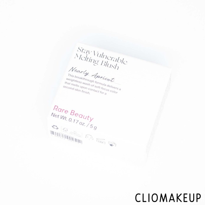 cliomakeup-recensione-blush-rare-beauty-stay-vulnerable-melting-blush-2