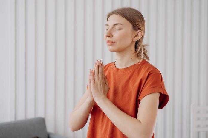 cliomakeup-yoga-per-il-viso