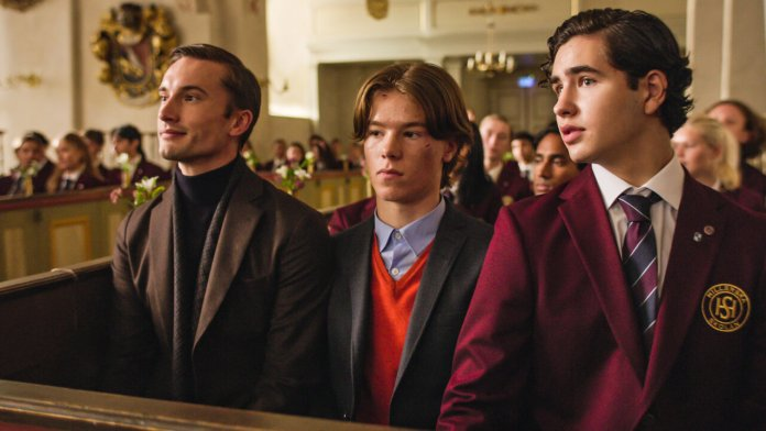 Cliomakeup-serie-tv-film-estate-2021-YOUNG-ROYALS-Netflix