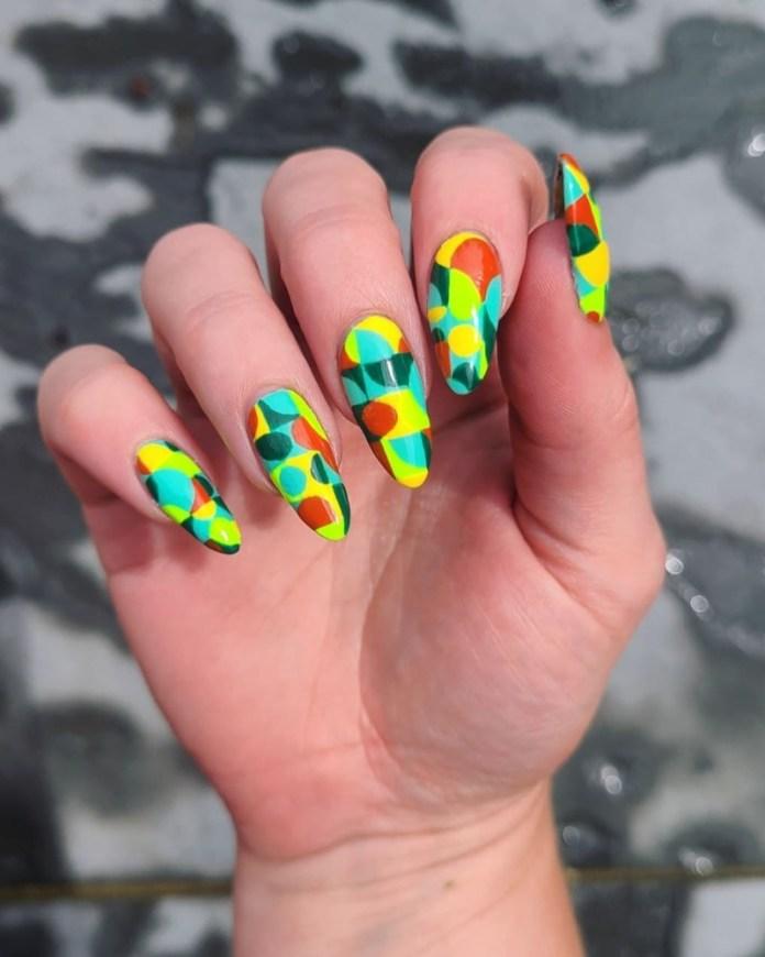 cliomakeup-color-block-nails-2021-fluo