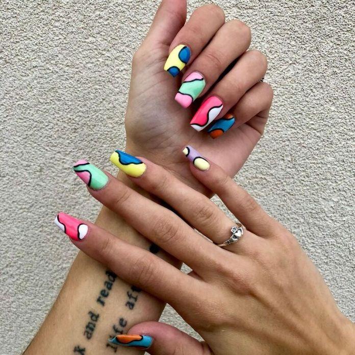 cliomakeup-color-block-nails-2021-geometrie