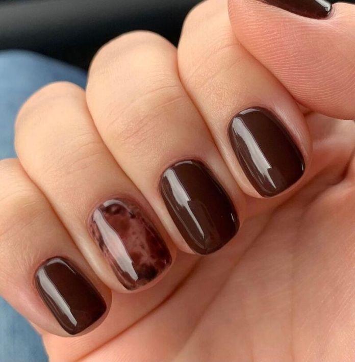 cliomakeup-dark-choco-nails-accent-nail-tortoise
