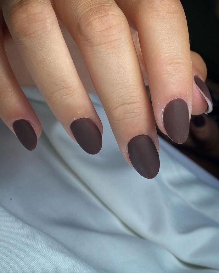 cliomakeup-dark-choco-nails-opache