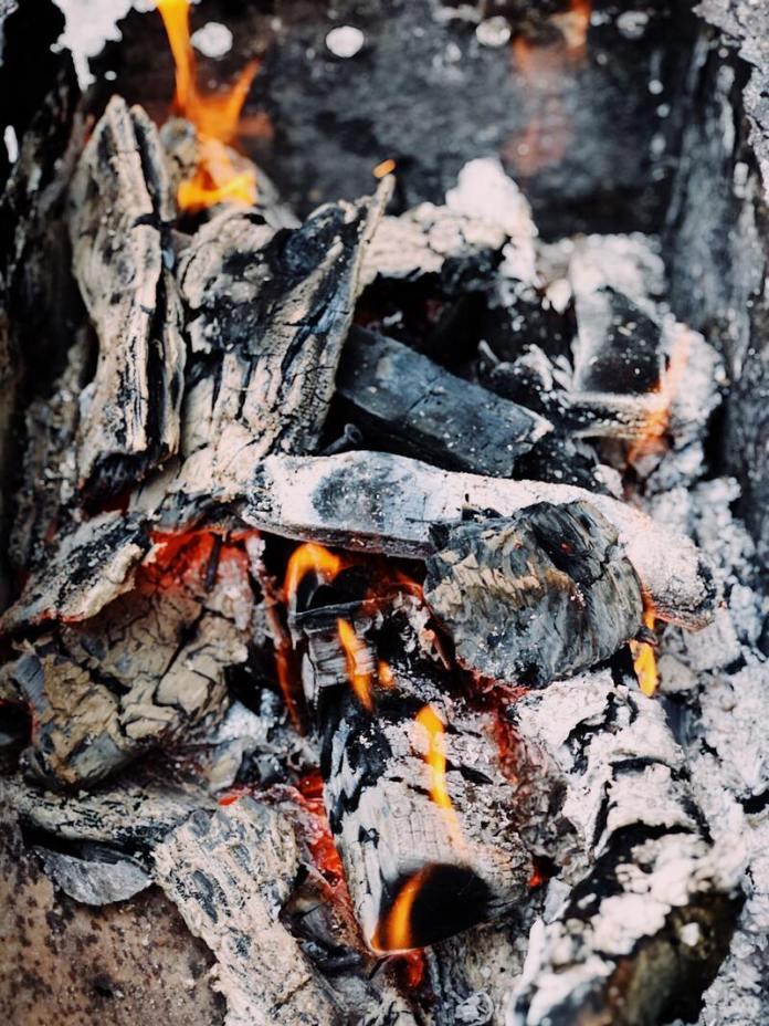 cliomakeup-pulire-argento-modo-naturale-cenere