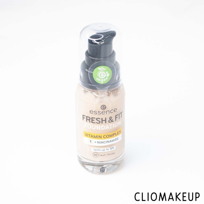 cliomakeup-recensione-fondotinta-essence-fresh-e-fit-foundation-vegan-4