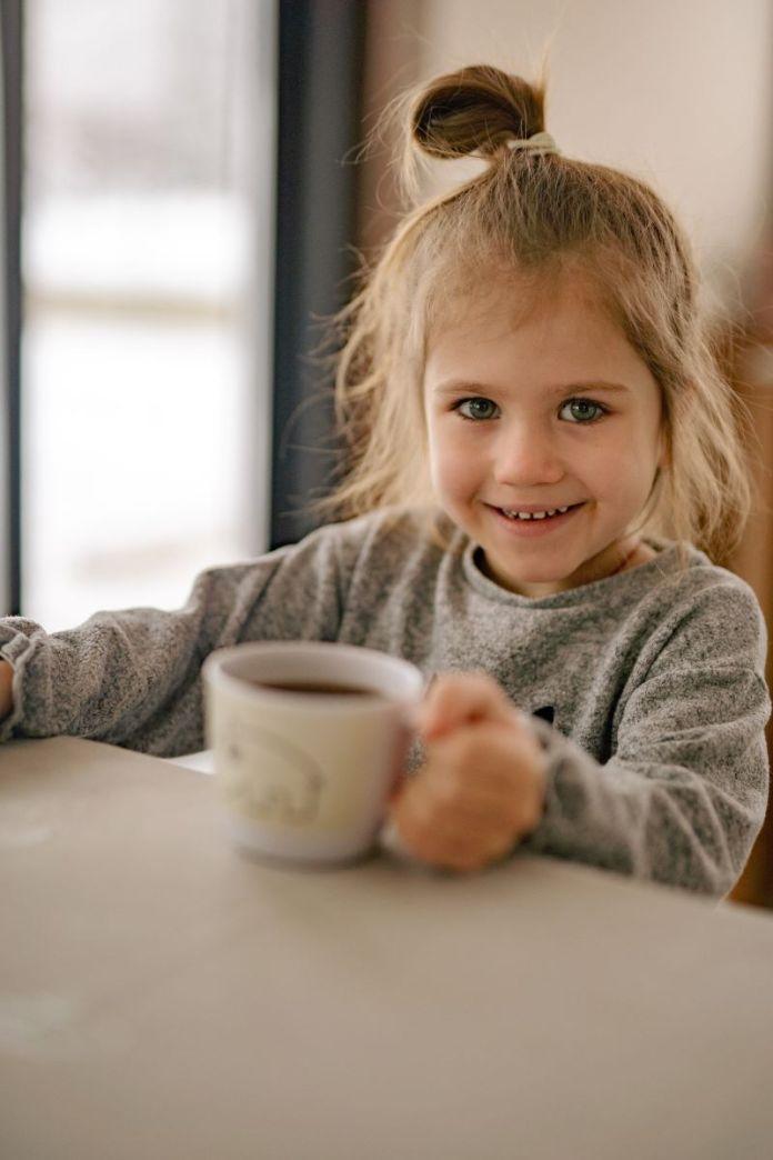 Cliomakeup-bambini-a-tavola-16-sana-alimentazione