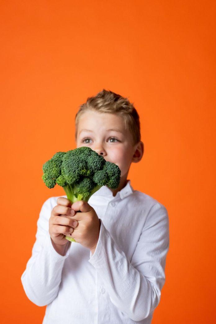 Cliomakeup-bambini-a-tavola-8-sana-alimentazione
