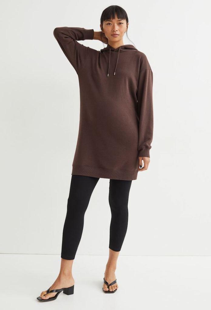 cliomakeup-look-autunno-2021-leggings-teamclio-vestito-felpa