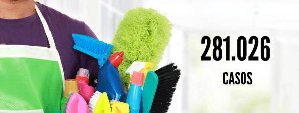 homem segurando produtos e itens de limpeza, representando um faxineiro. número 281.026 casos