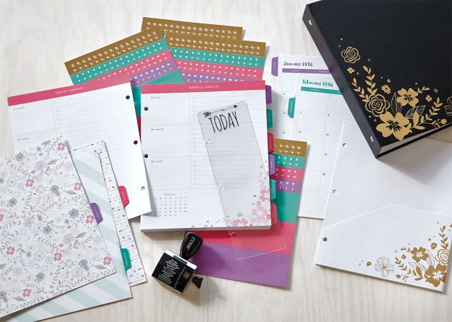 Check out this beautiful, customizable planner! #ctmh #closetomyheart #2016planner #organization #papercrafting