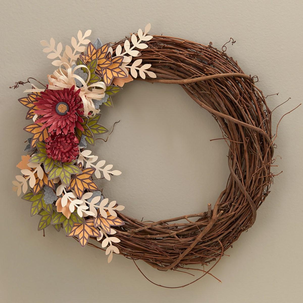 Papercrafting Wreath #papercrafting #cricut #flowermarket #diy #CTHM #closetomyheart #fall #autumn #wreath #paperwreath