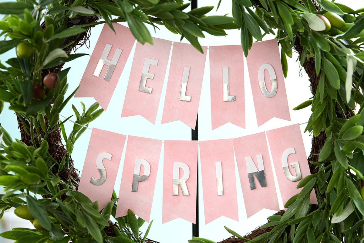 hello spring #ctmh #closetomyheart #hello #spring #pennant #banner #wreath #thin #cuts #diecuts #thincuts #dies #alpha #block #letters #alphabet #home #decor #decoration #decorating #diy #easter #hesirisen #myredeemerlives #free #printable #printables