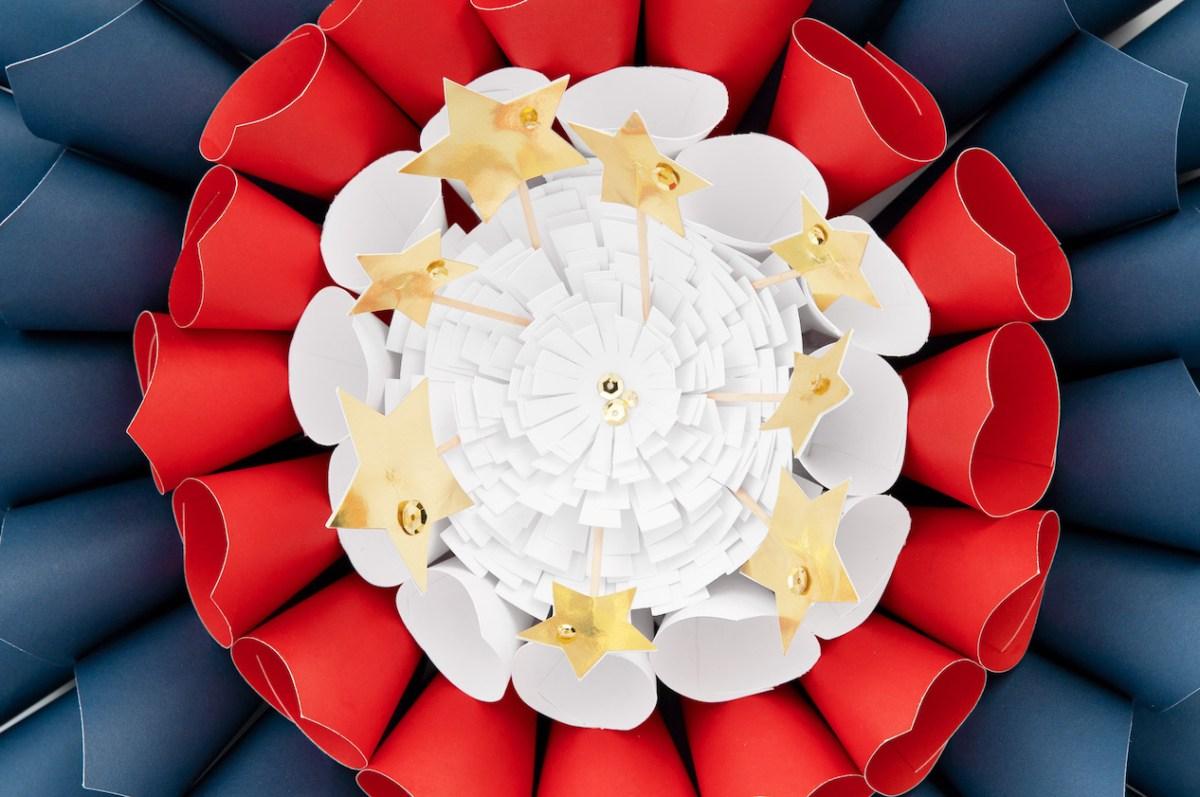 Easy DIY Patriotic Wreath #ctmh #closetomyheart #patrioticwreath #diy #papercrafting #fourthofjuly #americana