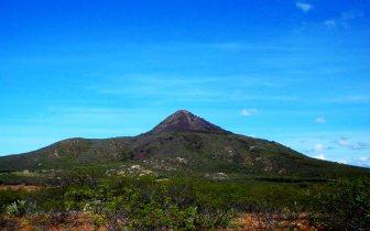 Que tal visitar um vulcão? Conheça o Pico do Cabugi
